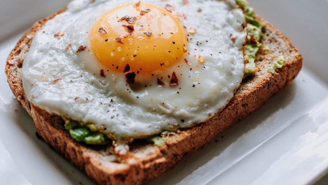 АВСТРАЛИ-Авакадотой талх, шарсан өндөг