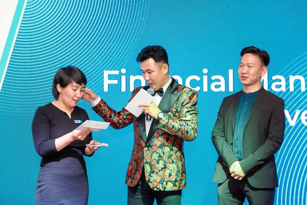 jpg-226-154626-823667881 Голомт банк Монгол Улсын эдийн засгийн хөгжлийг тодорхойлогч 1000 гаруй ААН, тэдгээрийн удирдлагуудад зориулан бизнес форумыг зохион байгууллаа