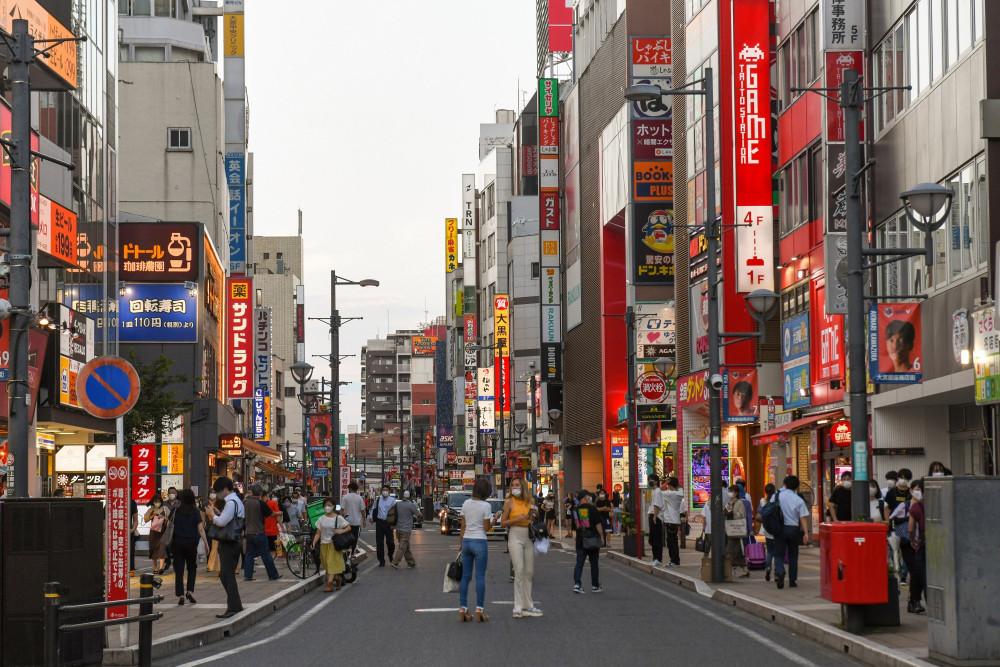 Япон улс хязгаарлалтын арга хэмжээгээ үе шаттайгаар сулруулна