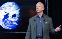 Жефф Безос НАСА-гийн алдагдлыг нөхөж, оронд нь сарны хөтөлбөрийн гэрээ байгуулах санал тавьжээ